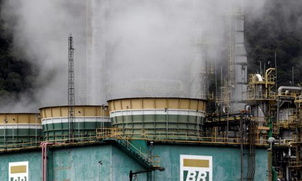 Petrobras eleva diesel em 8% na refinaria; gasolina sobe 5%