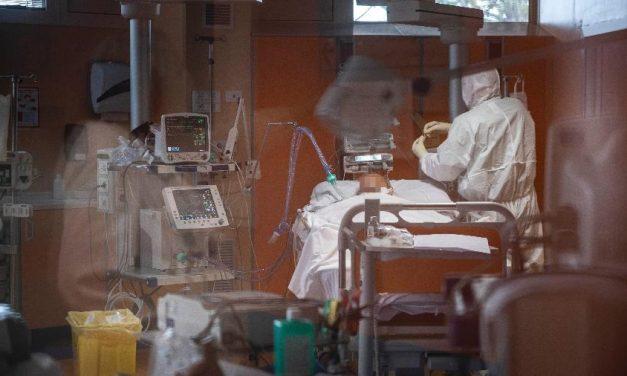 Número de pacientes com coronavírus em UTIs na Itália volta a subir