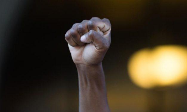 França: número de crimes de motivação racista volta a aumentar em 2019