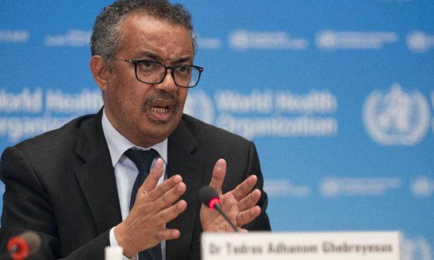 OMS alerta que pandemia continua acelerando no mundo