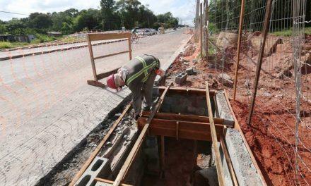Governo mantém obras de infraestrutura no Estado