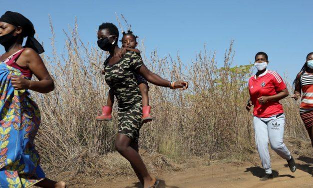 Covid-19 coloca mulheres e crianças em risco ao prejudicar serviços de saúde