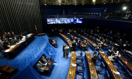 Relator protocola parecer da Lei das Fake News, que deve ser votado quinta-feira no Senado