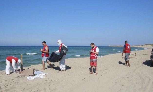 Seis migrantes morrem e 93 são resgatados na costa líbia