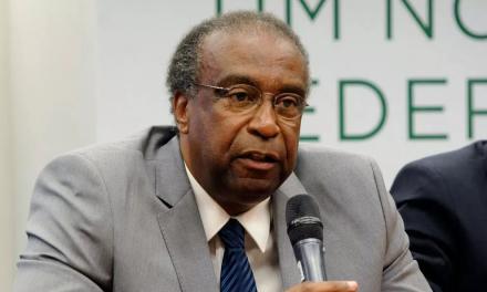 Ministro retira conclusão doutorado do currículo; reitor não reconheceu título