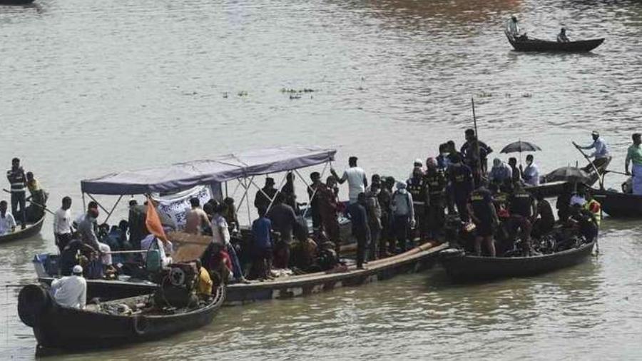Acidente com balsa deixa 30 mortos em Bangladesh