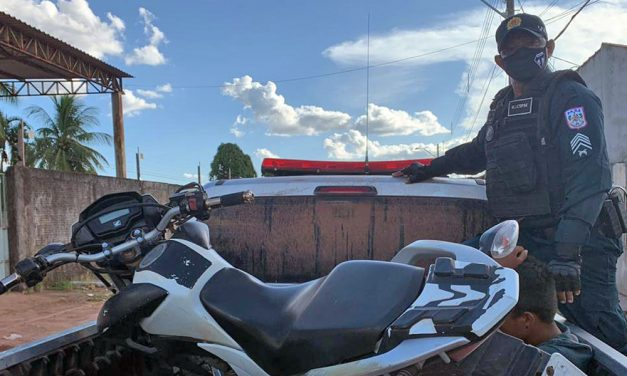 Jovem furta moto e acaba preso na vila Auí-Açu em Tailândia