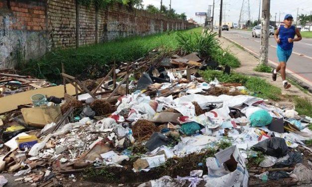 Moradores e carroceiros são responsáveis pelo acúmulo de lixo na av. Independência, diz Prefeitura de Ananindeua