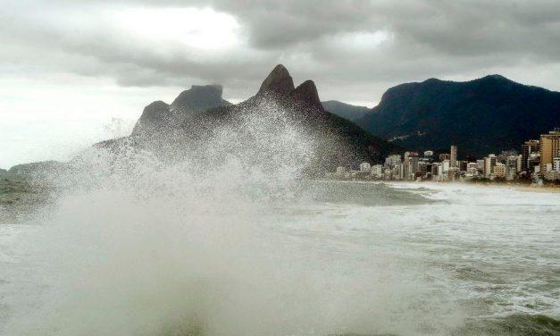 Reflexos do ciclone bomba no Sul trazem ventos de até 90 km/h a SP e Rio