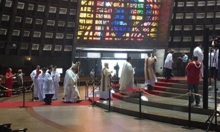 Missas retornam às igrejas do Rio com presença de fiéis após três meses