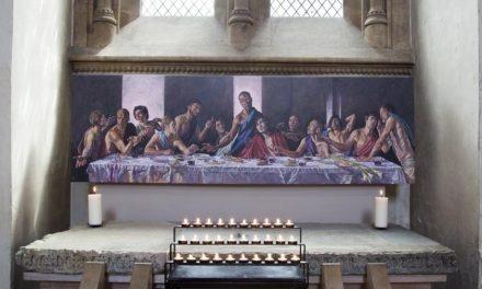 Catedral reabre com Jesus negro em pintura de última ceia no Reino Unido