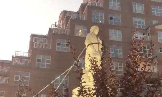 Mais uma estátua de Cristóvão Colombo é derrubada nos EUA