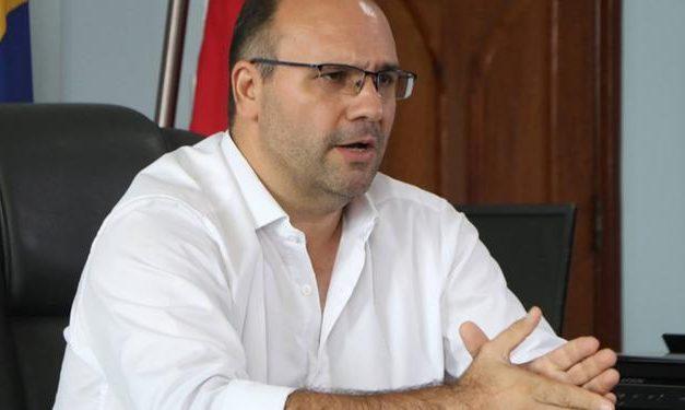 Justiça bloqueia bens do prefeito de Marituba