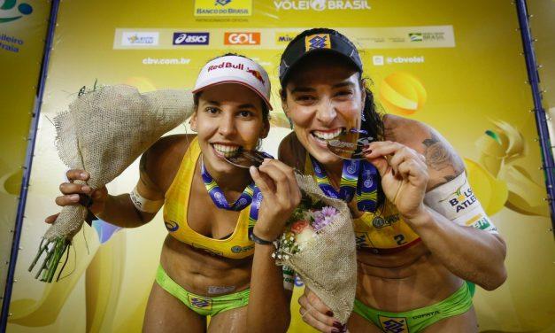 Candidata à medalha olímpica, dupla Ágatha/Duda volta a treinar após 4 meses e 2.500 km longe