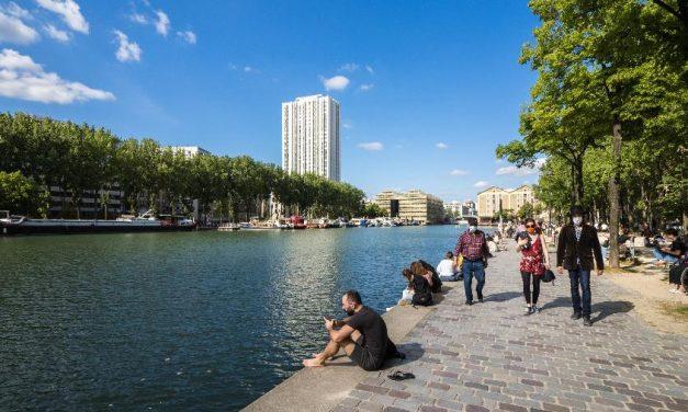 Paris encontra traços de coronavírus em sistema de água; França faz plano para volta da epidemia