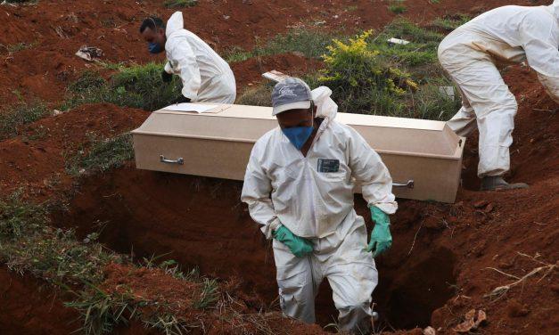 Brasil passa de 70 mil mortes e 1,8 milhão de casos