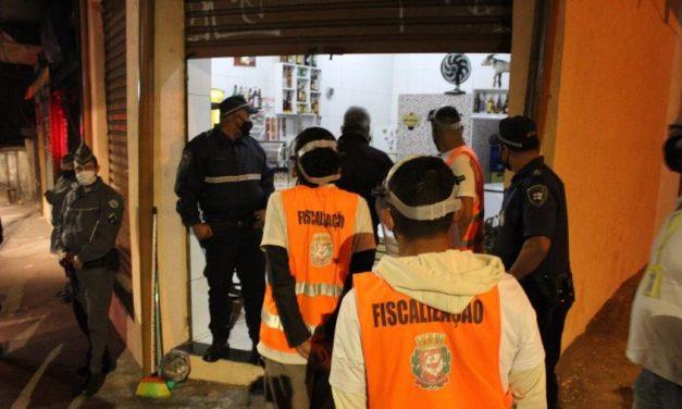 Prefeitura de SP lacra 11 bares por desrespeito a horário da quarentena
