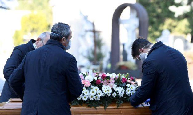 Bérgamo, na Itália, pagará 500 euros para famílias de vítimas da covid-19