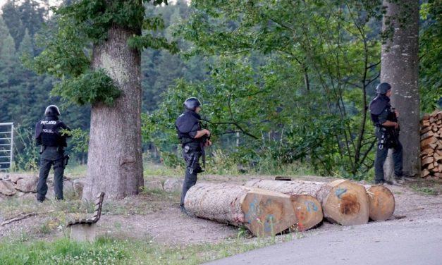 Alemanha lança megaoperação em busca de fugitivo armado