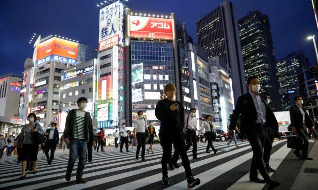 Tóquio tem recorde de novos casos de Covid-19 um dia depois de declarar 'alerta vermelho' para a doença