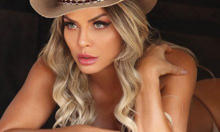 Viviane Bordin esquenta a web em fotos sensuais