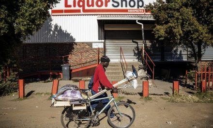 Proibição da venda de álcool durante pandemia divide África do Sul