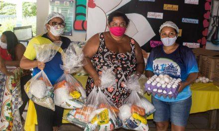 Prefeitura inova com a entrega de Kits de Alimentação e do Caderno Escolar