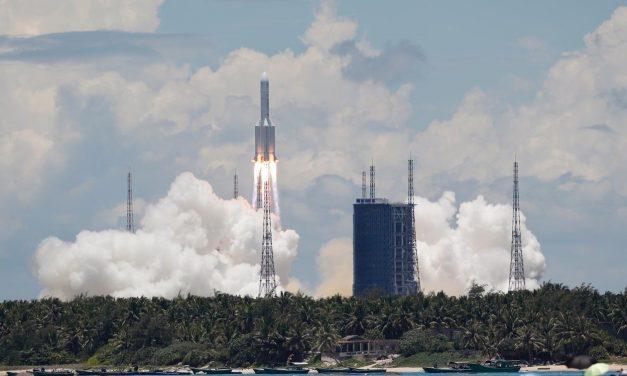China lança missão não tripulada para Marte
