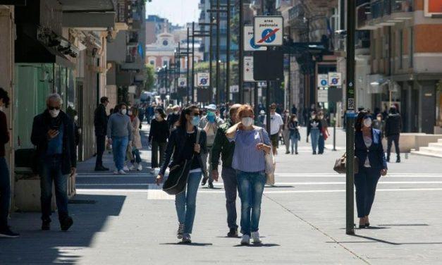 Multa por não usar máscara contra covid-19 chega a R$ 6 mil na Itália