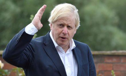 Premiê britânico diz que agirá rápido para impor novas quarentenas se necessário