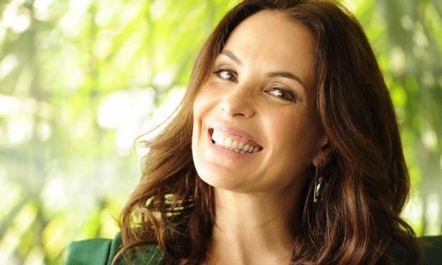 Mesmo contratada da Record, Carolina Ferraz não some da tela da Globo