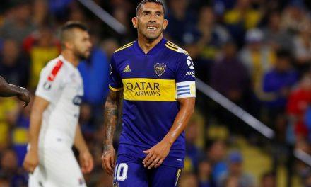"""Tévez critica volta do futebol na Argentina: """"Pessoas estão morrendo"""""""