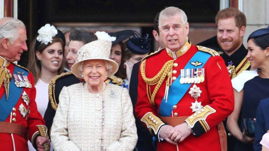 Filho da Rainha Elizabeth II é acusado de orgias com menores
