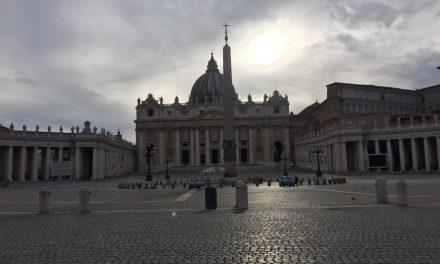 Queda drástica no número de turistas prejudica economia do Vaticano