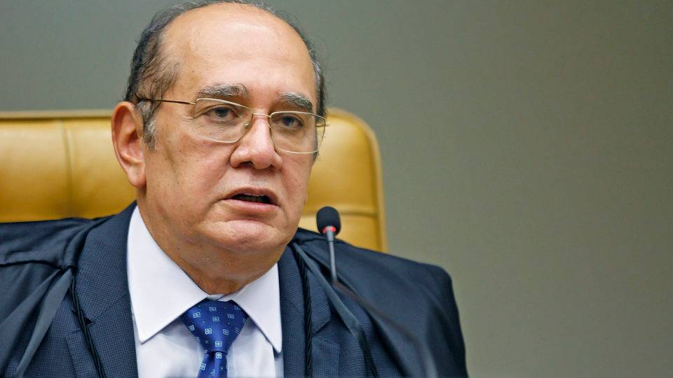 Gilmar suspende vetos de Bolsonaro e restabelece máscaras em prisões