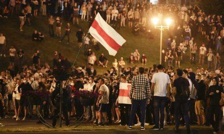 Protestos eclodem em Belarus após reeleição de Lukashenko