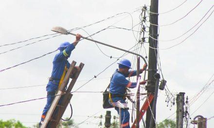 Prefeitura de Santa Izabel realiza manutenção da iluminação pública do município