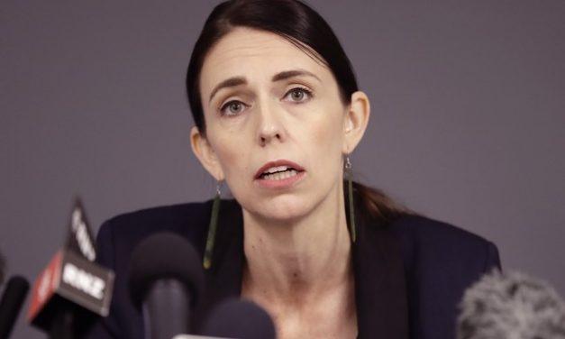 Nova Zelândia ordena confinamento após novos casos de coronavírus em 102 dias