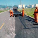 Prefeitura iniciou recuperação asfáltica na rua do Fio
