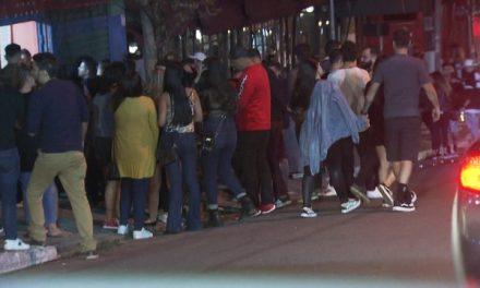 SP tem bares lotados e aglomeração no 2° final de semana após liberação para funcionamento noturno