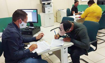 Pescadores de Santa Cruz do Arari assinam projetos de créditos