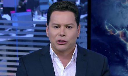 """""""Menas"""": Marcão do Povo escorrega no português no SBT"""