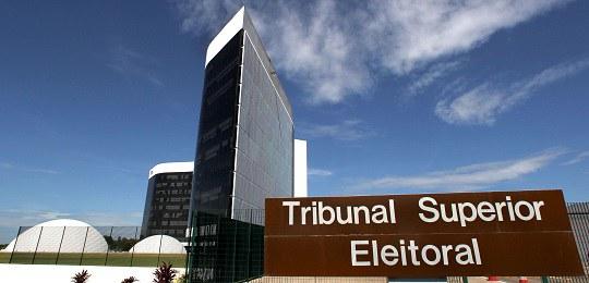 TSE: dinheiro de campanha deve ser dividido proporcionalmente entre candidatos negros e brancos
