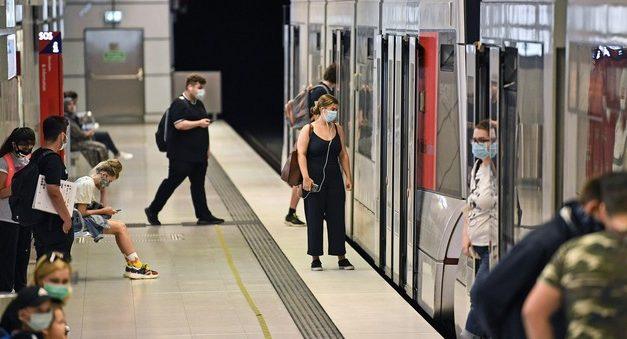 Alemanha multará quem não usar máscara e limitará grupos para frear a pandemia de Covid-19