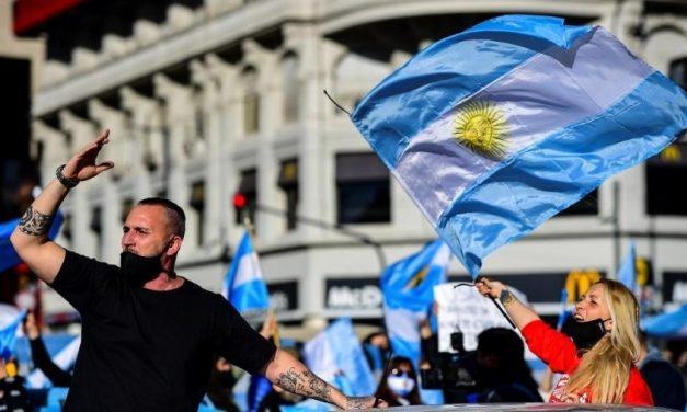 Confinada há 5 meses, Argentina vê depressão quintuplicar e economia sofrer
