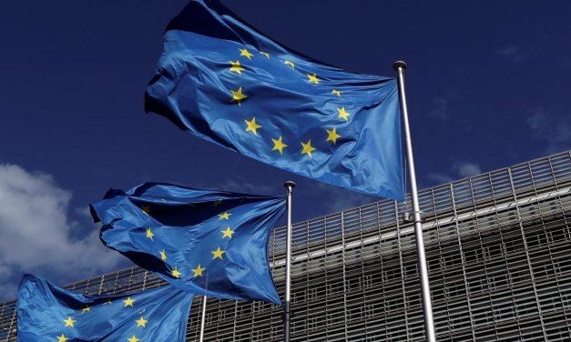 UE oferece 400 milhões de euros a iniciativa por vacina para covid-19