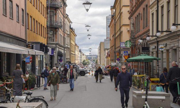 Suécia volta a ser exceção em uma Europa de máscara obrigatória