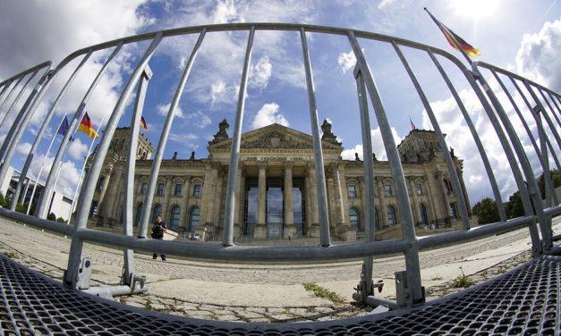 Extrema direita se aproveita da pandemia na Alemanha