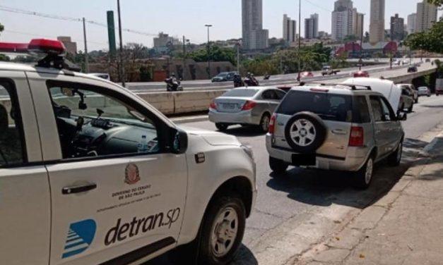 Polícia apreende carro com mais de mil infrações e R$ 4,4 milhões em débitos