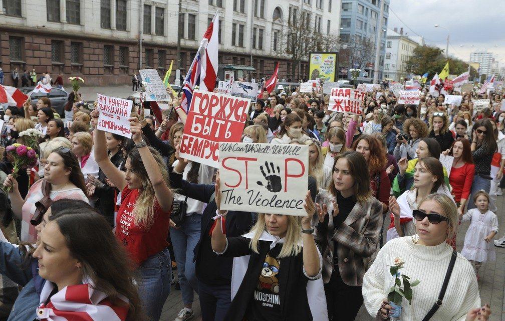 Milhares de mulheres fazem marcha em Belarus em novo protesto contra Alexander Lukashenko